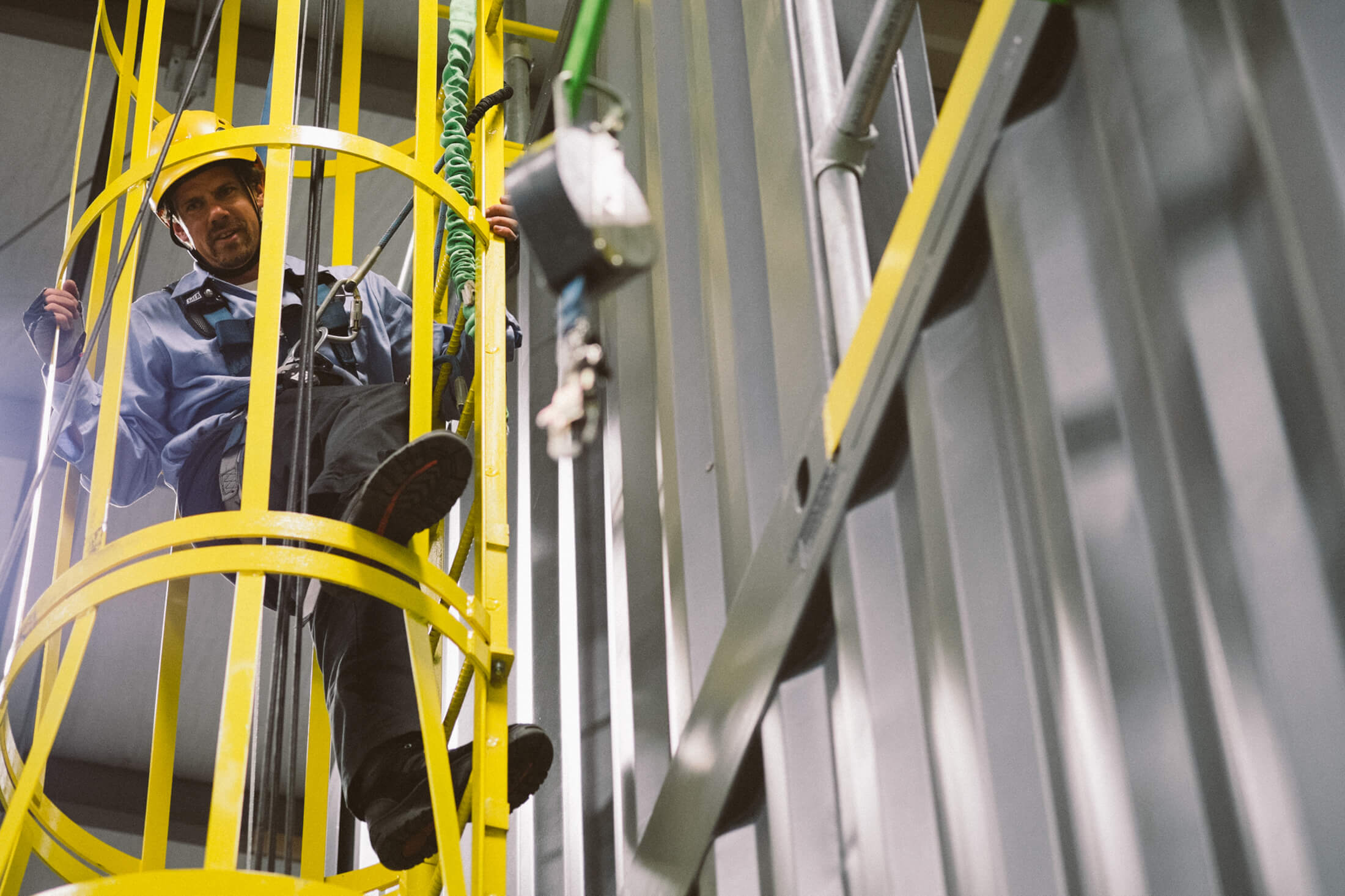 Buyer's Guide to the Telescoping Ladder