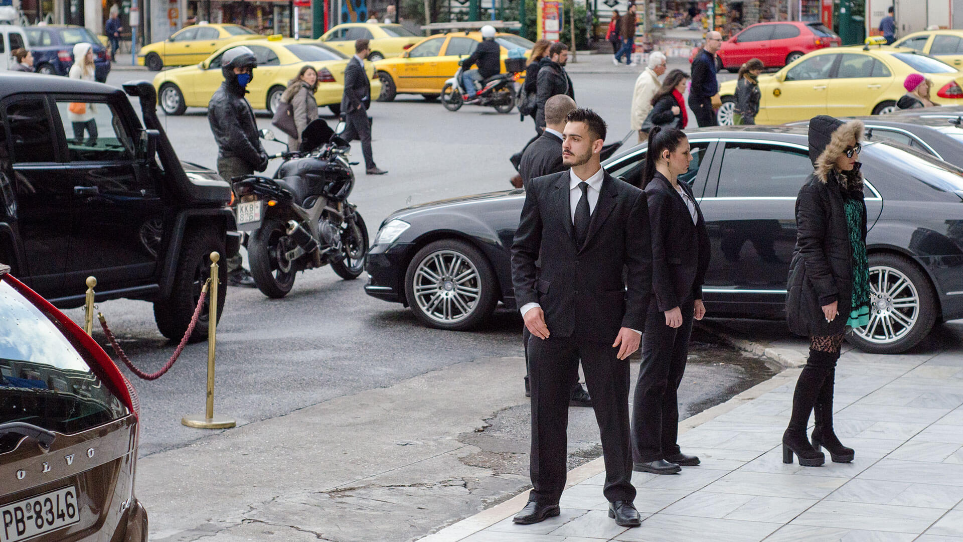 What Qualities Should a Person Check Before Hiring a Bodyguard?