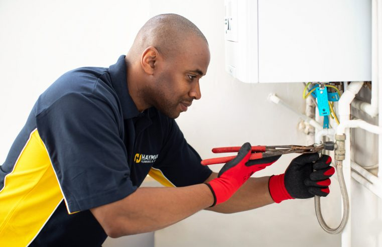 What Is Commercial Plumbing Service And At What Scales One Can Hire Them?
