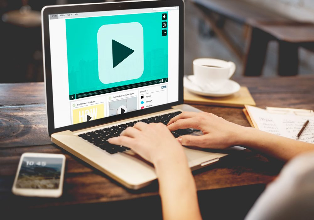Guide To Know How You Can Get Start With Career As A Subtitler-Translator?